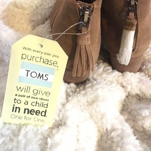 Toms Shoes - TOMS toffee Suede booties